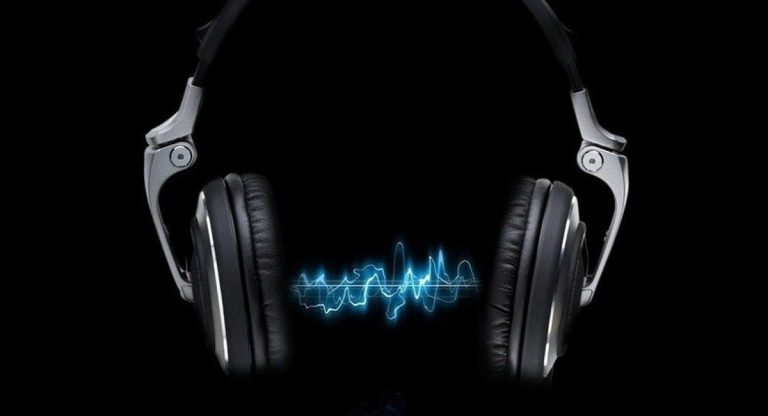Best Affordable Noise Cancelling Bluetooth Headphones Under 100$
